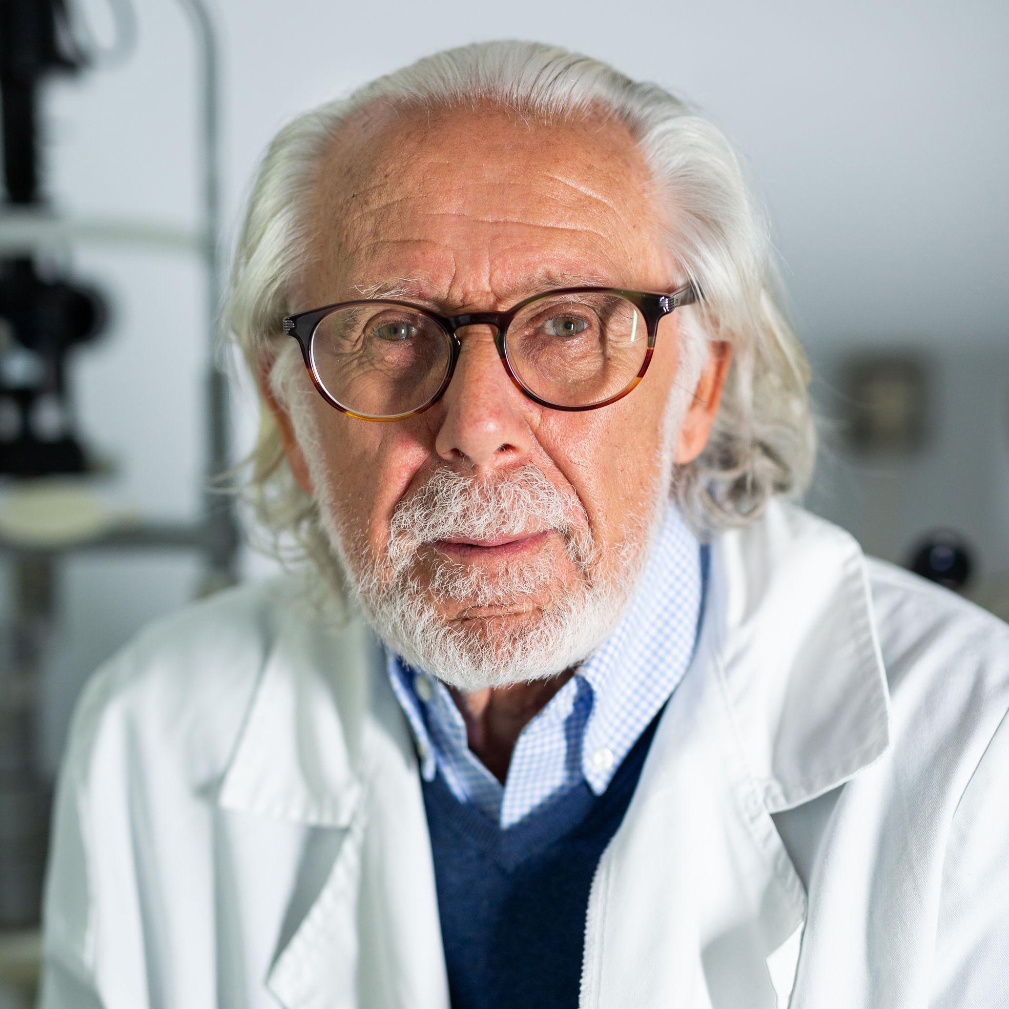 Dr. Dolcet